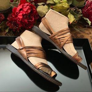 Donald J Pliner bronze strappy Sandals sz 10